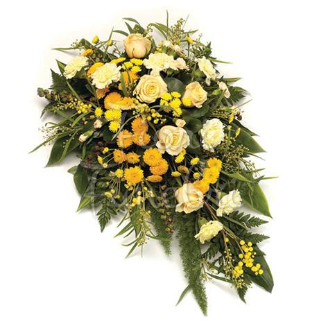composizione-rose-garofani-bianchi-fiorellini-gialli
