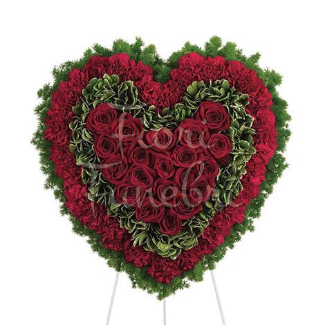 corona-cuore-rose-crisantemi-rossi